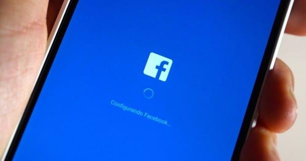 abriendo facebook
